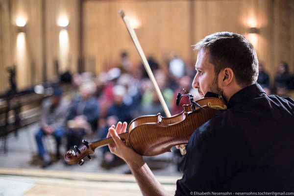 """SCHIELE fest 2017: """"Wir sind da!"""", Konzert mit geflüchteten und nicht geflüchteten Menschen, © Elisabeth Nesensohn"""